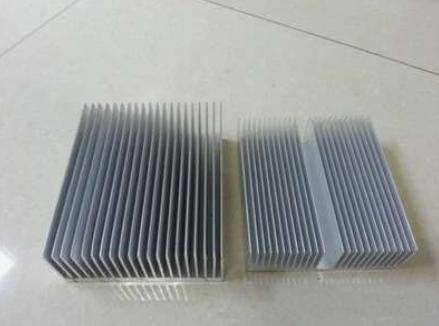 散熱器鋁型材.png