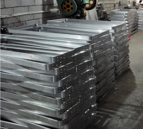 鋁型材定制邊框.png